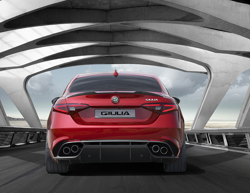 Alfa_Romeo_Giulia_HP_3
